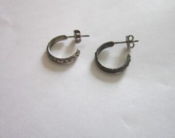 Vintage Sterling Silver Hoop Pierced Earrings