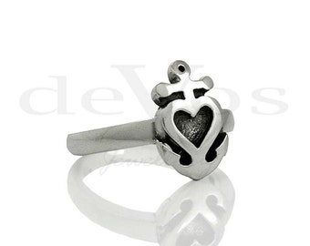 Heart Ring - Anchor Ring - Heart and Anchor Ring (Vertical)