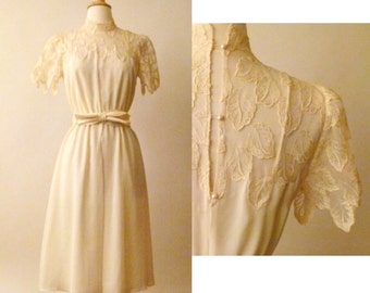 60s Cream of The Crop Lace Dress