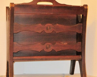 ANTIQUE 1940'S MAGAZINE RACK