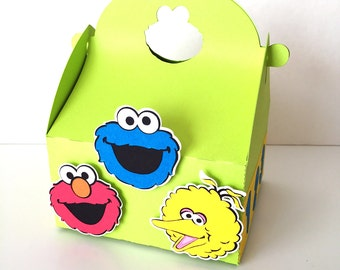 Free Shipping - 12 Sesame Street favor boxes | Sesame Street gable box | Elmo, Cookie Monster, Big Bird treat box | Sesame Street party!