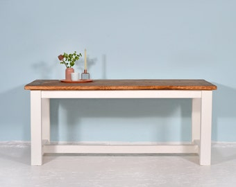 Dining table made of recycled Geruestbohlen | Graefe