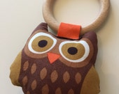 Owl teething and rattle toy. Hand made.