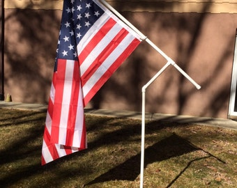 Rotating PVC Flag Pole Kit with Choice of Flag