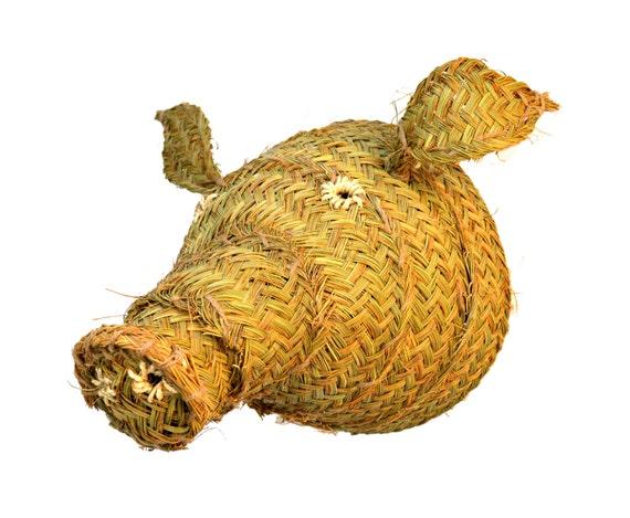Pig head of esparto grass for hang in the wall. Wall decoration. Cabeza de cerdo. Pork head of esparto grass.
