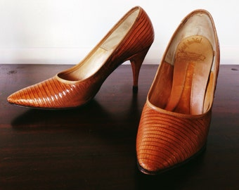Bombshell 1950s Alligator Lizard high heel tan size 5 - 5.5