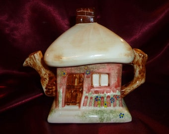 Vintage CUTE THATCHED COTTAGE Novelty Ceramic Teapot No1 English Collection