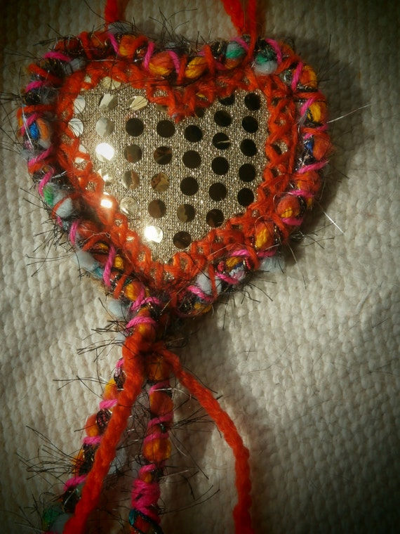 Upcycled materials small wall hanging heart by for Wall hanging with waste material
