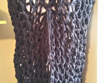 Large Loop Knitted Vest in Black
