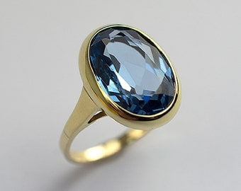A Beautiful And Attractive Topaz Ring 9Ct Gold
