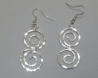 Spiral earrings,hammered earrings,copper earrings,handmade earrings,greek jewelry,ancient grek style,wire jewelry,silverplated silverfilled
