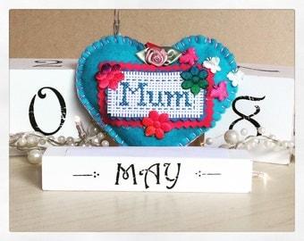 Mothers day hanging felt heart keychain/keepsake in blue