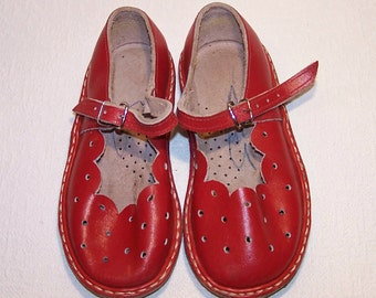 Red Genuine Leather Baby Shoes. Vintage Summer Boots For Babies. Retro Sandals. Children's Summer Shoes Made in the USSR.  Booties For Kids.