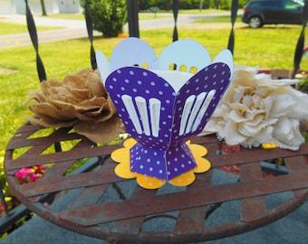 Super Cute Cupcake Holder/ Wedding/Birthday/ any Occasion