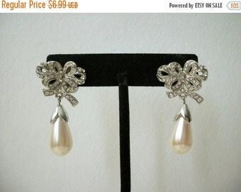ON SALE Stunning Vintage Clear Rhinestone Faux Pearl Earrings 406