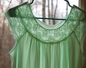 mint green vintage Gilead babydoll nightie nylon and lace size L