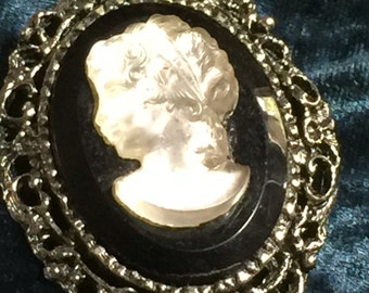 Large Cameo Brooch /Pendant Silver Tone