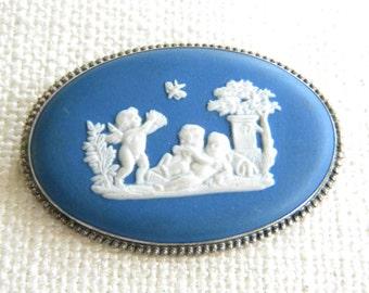vintage 1976 WEDGWOOD Blue Jasper large brooch SILVER cherubs    - inA1342