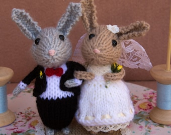 Bride and Groom bunnies, bridal bunnies, wedding cake topper, cheese tower topper, knitted rabbits, hand knitted bunny rabbits