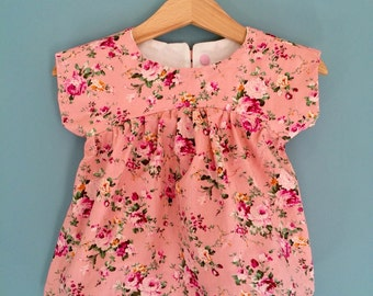 Baby girls' top, pretty pink, floral fabric. Size - 18 months