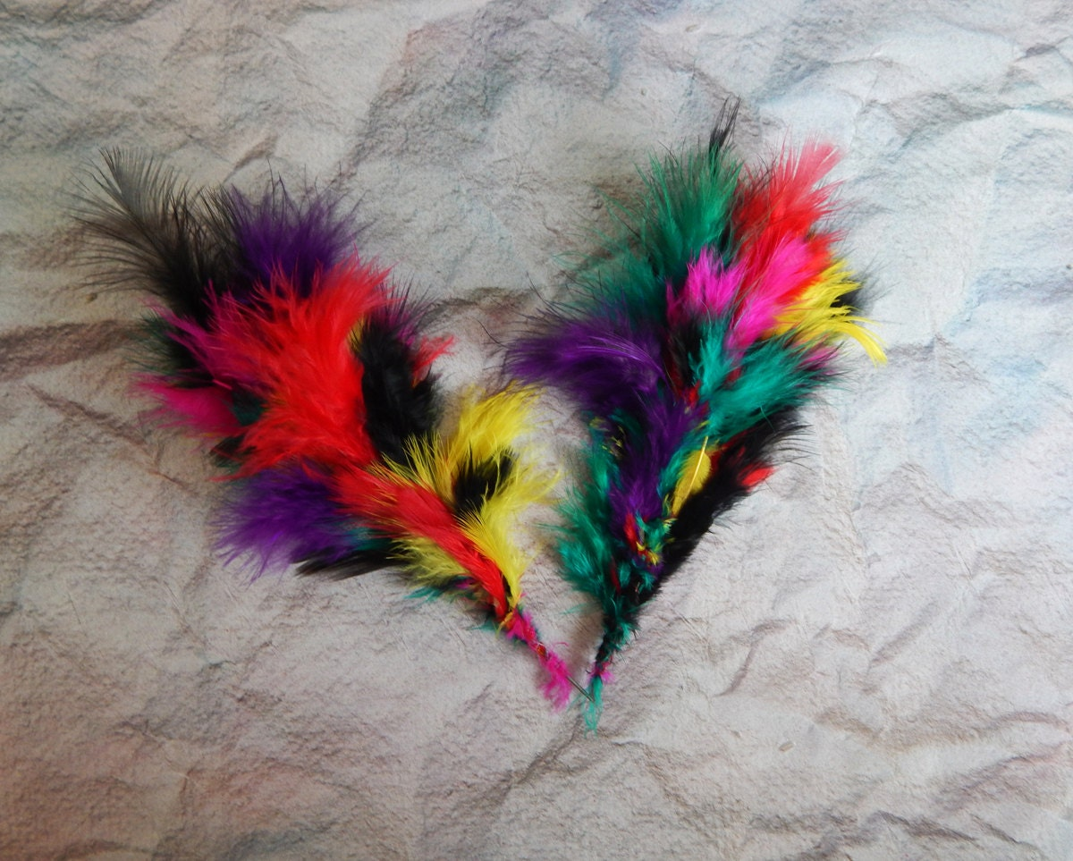 Set of 20 craft feathers 5 39 39 feathers multicoloured for Where can i buy feathers for crafts