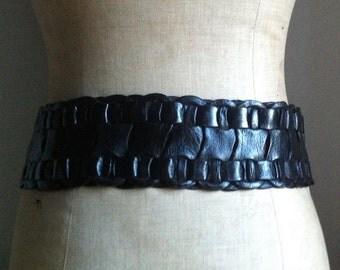 Vintage Wide Black Leather Waist Belt Size UK 14-16, US 10-12, EU 42-44