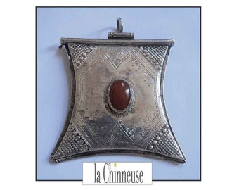 TUAREG SILVER LOCKET/necklace Berber Tuareg silver & carnelian / Tuareg Jewelry / Ethnic Jewelry / Vintage jewelry / Collectibles.