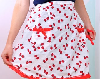 Vintage Ladybug Apron with Red Hem & Pockets w/ Bows!
