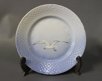 Sea Gull lunch plate, porcelain by B&G.