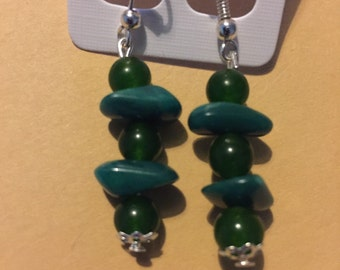 Emerald gemstone dangle earrings