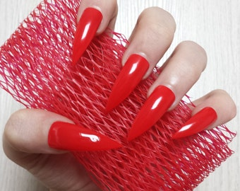 Bad girl stiletto nails-023015-