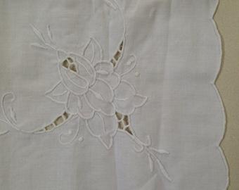Vintage tablecloth / white cotton / white satin stitch embroidery cutout / scalloped edge