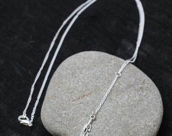 Silver feather chain necklace