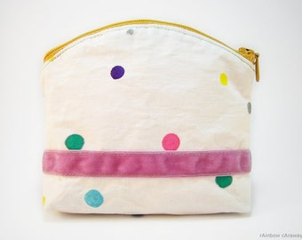 Cute polka dots make up bag in white