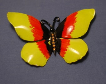 Chanteuse Butterfly Pin
