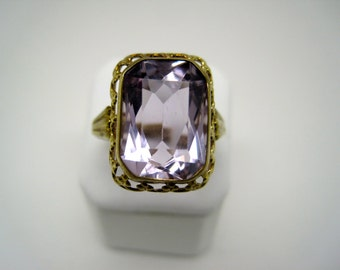 Vintage amethyst gold ring