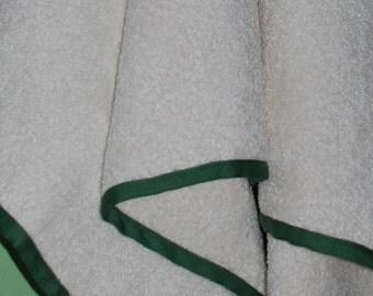 Soft terry linen bath towel with green border, fluffy linen sauna towel, softened flax terry beach towel, yoga linen towel
