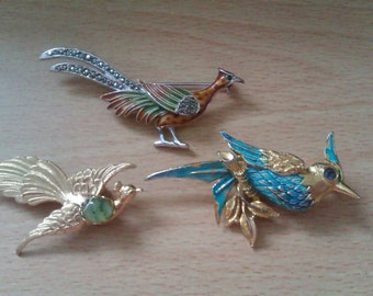 3 vintage bird brooches