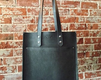 The Pocket Tote - Black leather