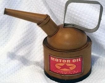 Antique Vintage Gas Station Metal Motor Oil Tin Can bank Texaco petroliana
