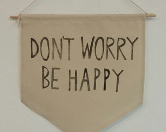 Hanging wall pendant - Stamped phrases | DON'T WORRY Be HAPPY