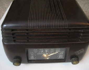 General Electric Model 200 radio 1946