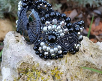 Bracelet donuts and Pearl onyx banded, macrame, woven bracelet, stone that brings the force
