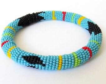 African Zulu beaded round bracelet - Light blue