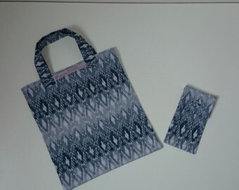 Foldaway Shopping Bag with Holder