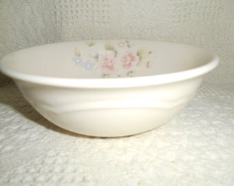 TEA ROSE PFALTZGRAFF Super Soup / Cereal Bowl ~ Serving Bowl ~ Pink Roses and Blue Flowers