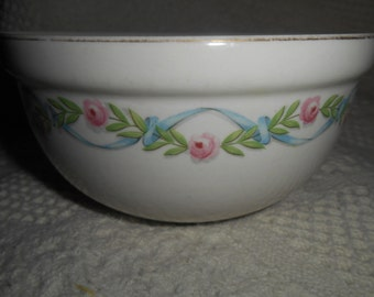 """Hall China """"WILDFIRE"""" Kitchenware Thick Rim Bowl Pink Roses & Blue Ribbons 1940s - 1950s"""