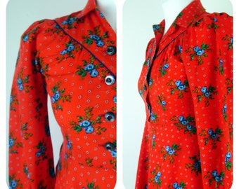 Vibrant 1950s red blue and green floral western dress. Size 8-10