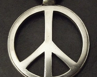Peace Symbol Pendant. Pewter, 35mm/1.37inches.