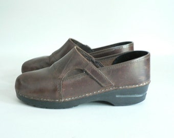Women 9.5 / 41 Brown Dansko Clog Shoes
